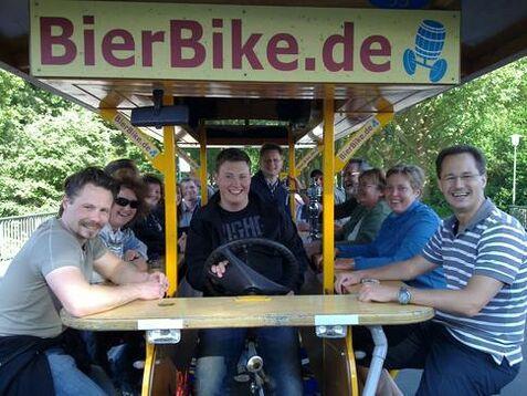 Beispiel: Gruppe auf BierBike-Ausflug, Foto: BierBike Münster.