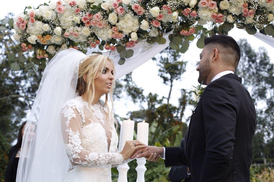 el sí por el resto de la vida  Wedding Planner: Lina Vargas Producción Decoración : Lica Creativa  fotografía : Prisma