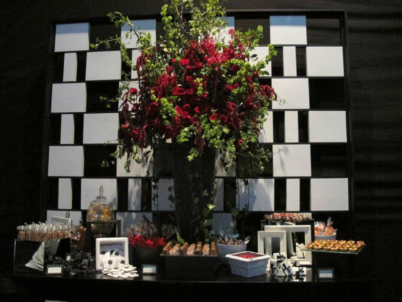 Mesa de dulces para bodas. Foto: Kanela