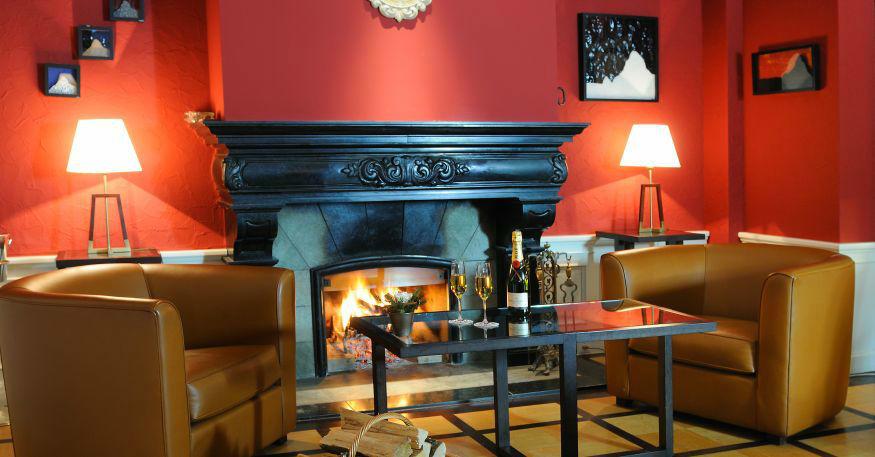 Beispiel: Bar, Foto: Grand Hotel Zermatterhof.
