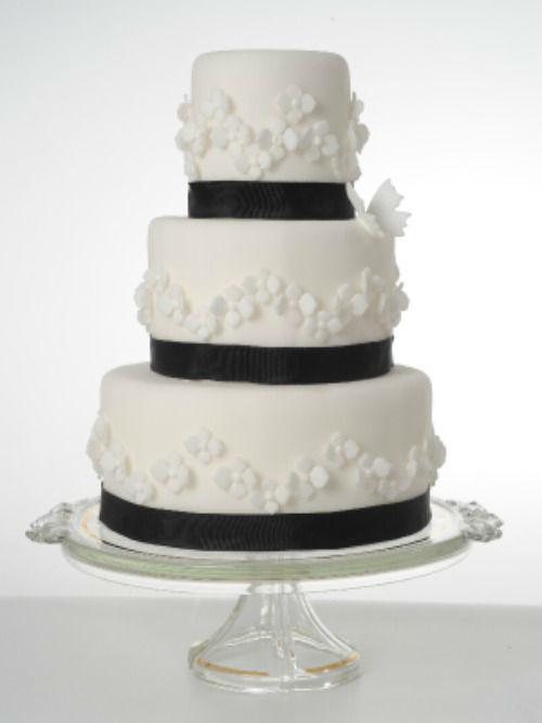 Beispiel: Hochzeitstorte, Foto: Lienert Konditorei.