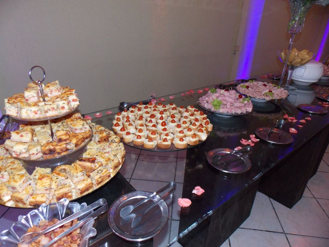 Acompanhamento do serviço do buffet
