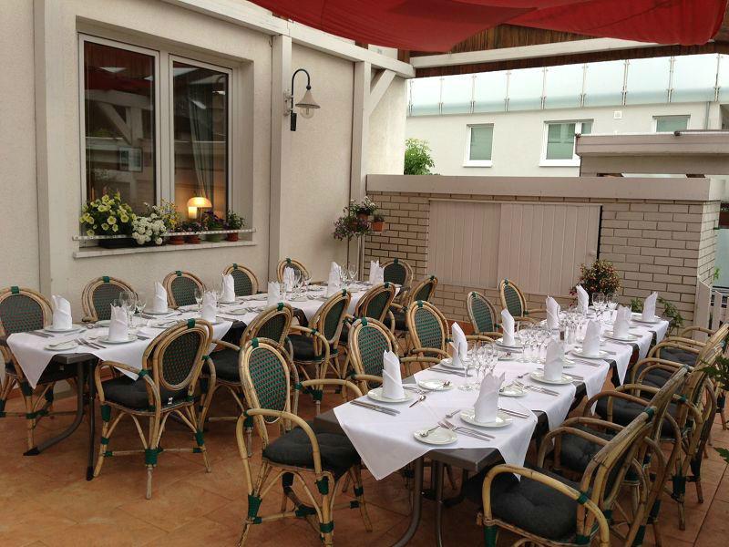 Beispiel: Überdachte Terrasse, Foto: Restaurant Prinzenquelle.