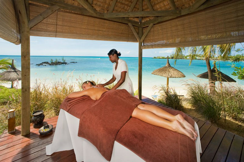 Entspannung mit Traumkulisse, Merville Beach produced by LUX*, Mauritius