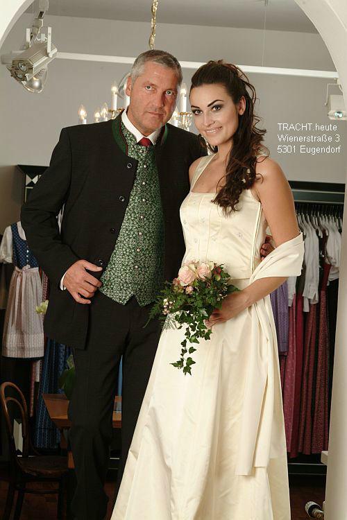Beispiel: Traditionelle Hochzeitsmode, Foto: Gössl - Tracht heute.