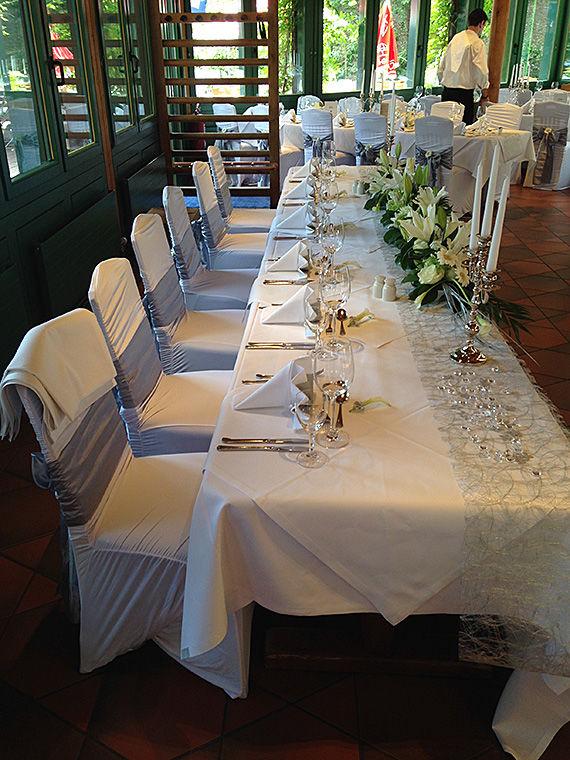 Beispiel: Tischdekoration, Foto: Wirtshaus am Rosengarten.