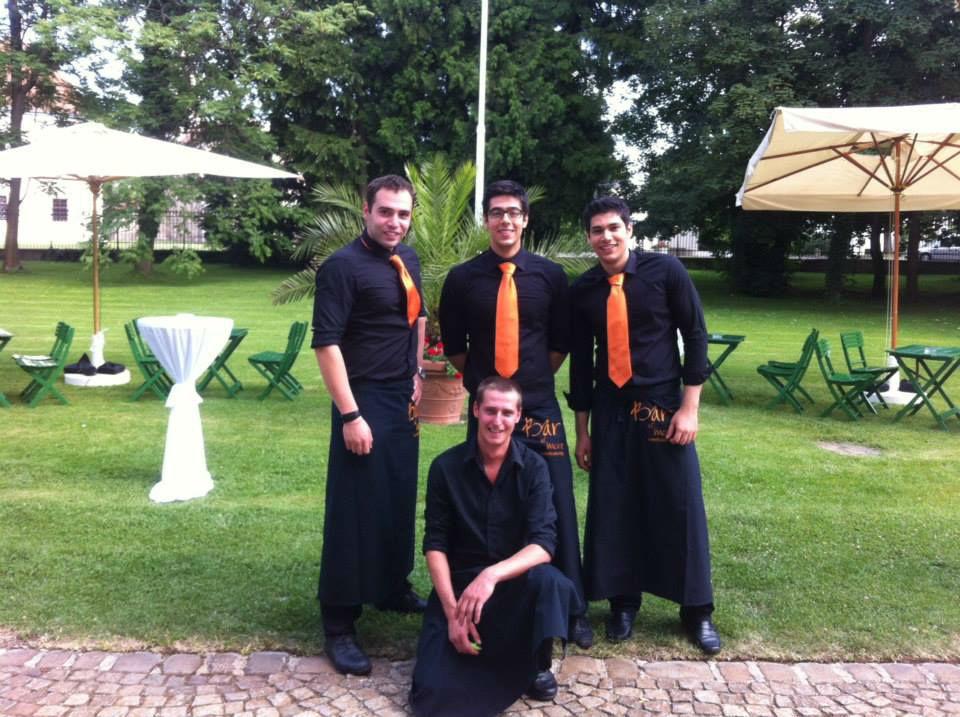 Beispiel: Freundliches und kompetentes Serviceteam, Foto: Bar and more Eventcatering.