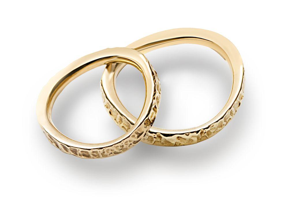 Fedi Matrimoniali particolari Efrem Guidi Oro Giallo Scultura LGBT community gay Wedding Italy Milano Brera Modello Ionio