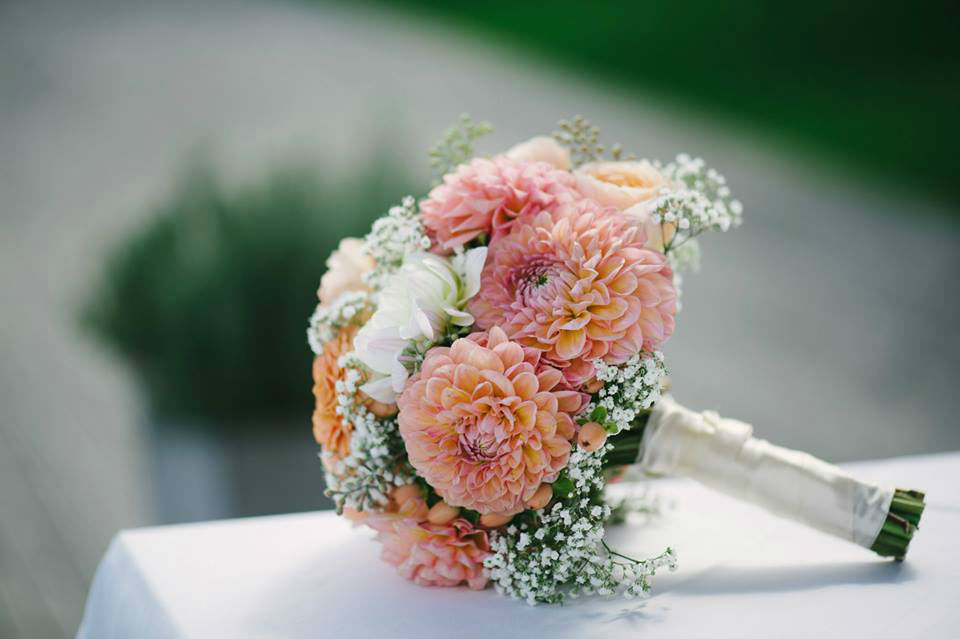 Beispiel: Hochzeitsfloristik, Foto: Brautzauber.