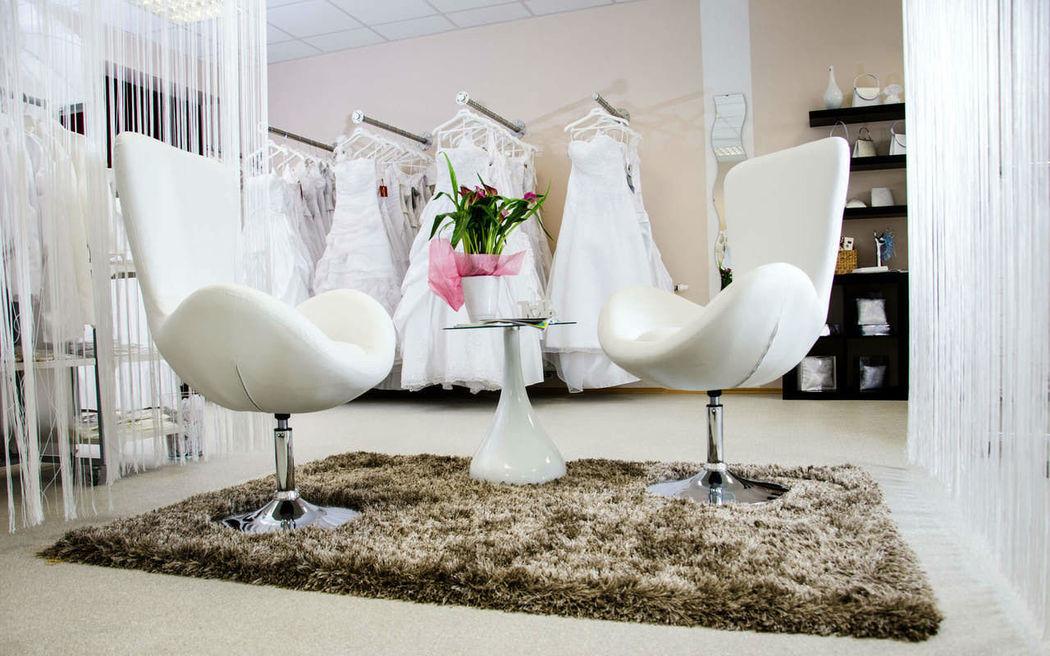 Beispiel: Geschäft, Foto: Brautmode und Kleider Edegger.