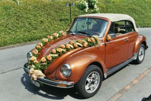Beispiel: Autoschmuck, Foto: Flowerevents.
