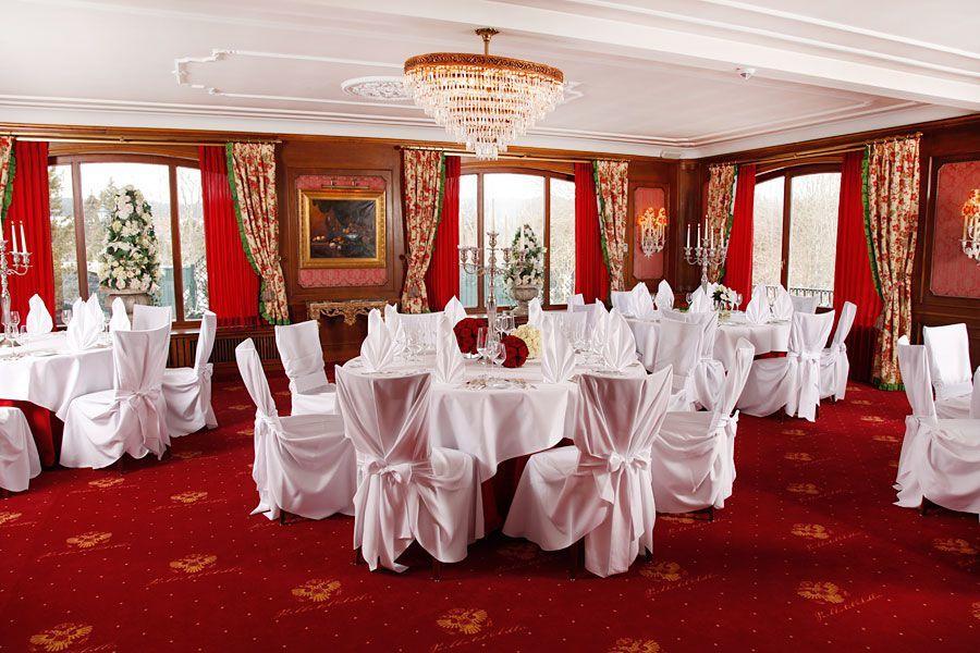 Der Französische Saal - feiern mit bis zu 110 Gästen in pompösem Ambiente.