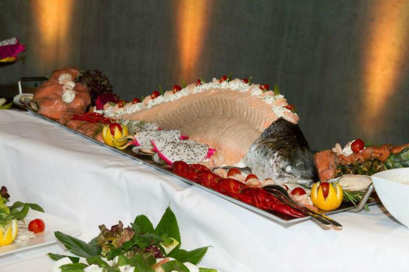 Beispiel: Da wird Ihr Buffet zum Hinguckert, Foto: Das exklusive Buffet.