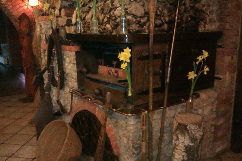 Karczma u Stacha, kominek