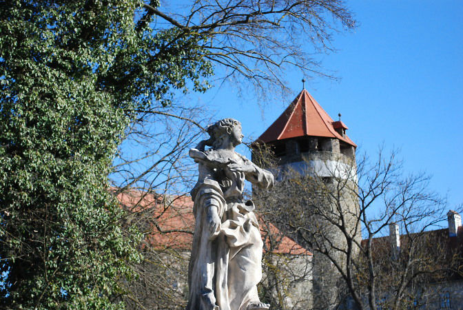 Beispiel: Außenansicht, Foto: Friedensburg Schlaning.