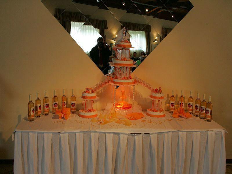 Beispiel: Der Wein passend zu Ihrem Hochzeitsmotto, Foto: Hochzeitswein - Weingut Zickl.