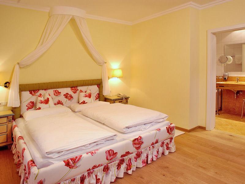 Beispiel: Romantische Zimmer, Foto: Wedding Hotel Heitzmann.