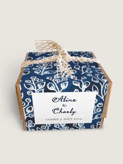 Boîtes à dragées en kraft avec bandeau personnalisé aquarelle Indigo par Dioton.fr
