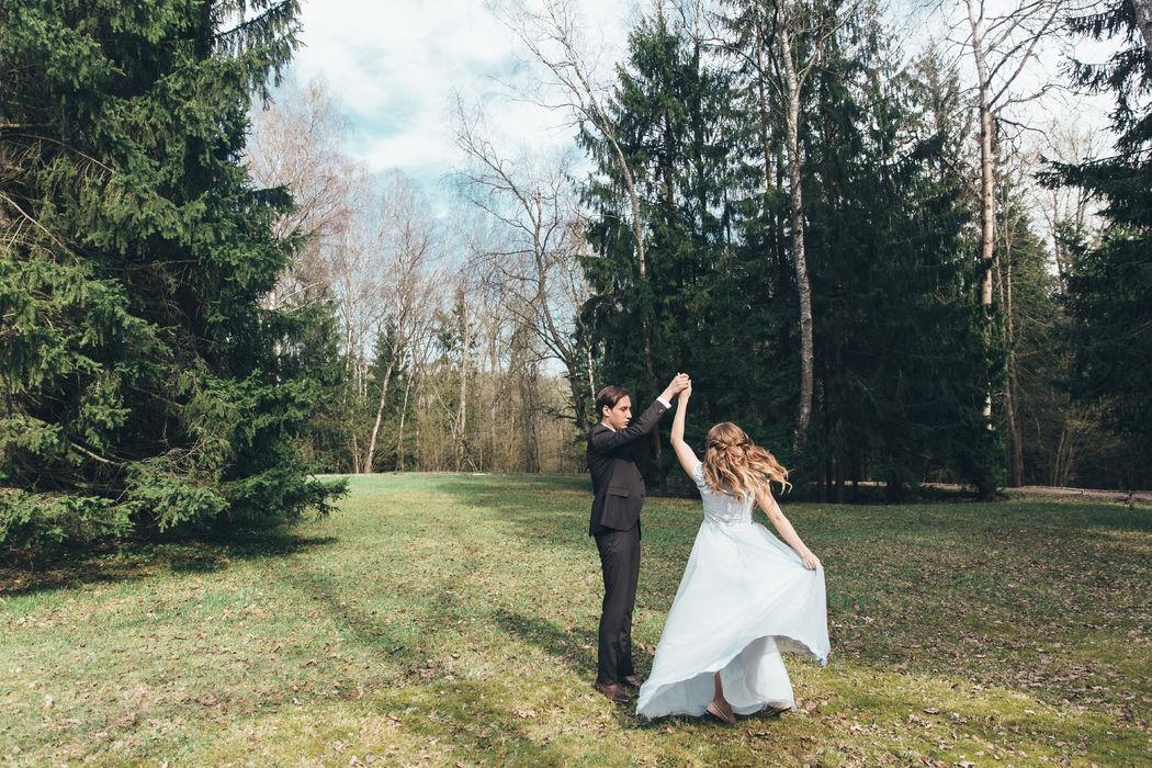 Предсвадебная фотосессия 'Весенний ветер' для Юлии и Данияра, апрель 2016 Концепция и организация: Таня Елисеева | Фотограф: Наталия Григорьева