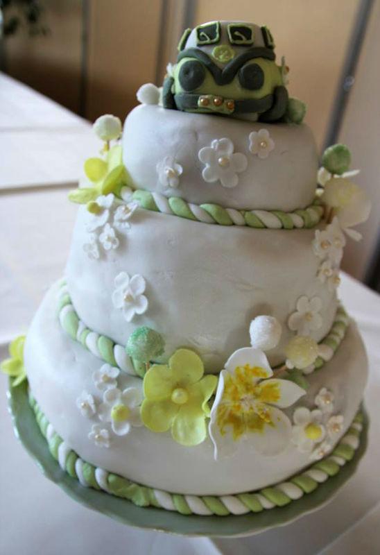 Beispiel: Hochzeitstorte, Foto: Dessertfee cake design & more.