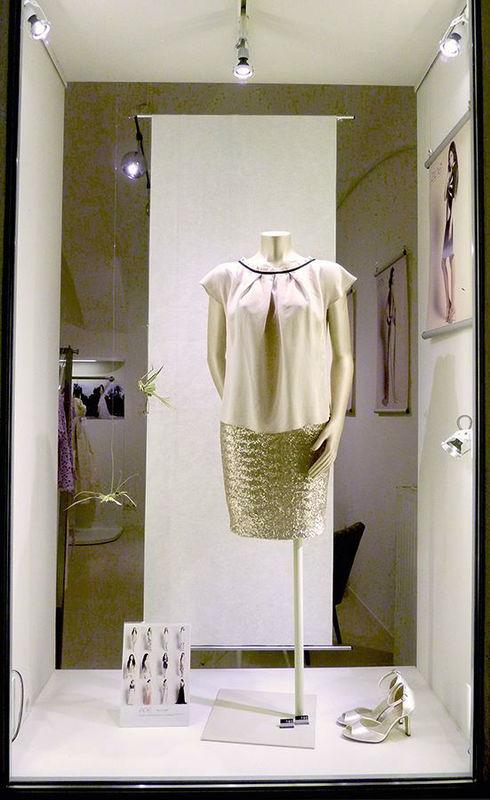 Beispiel: Elegante Mode, Foto: ZOE-Modedesign.
