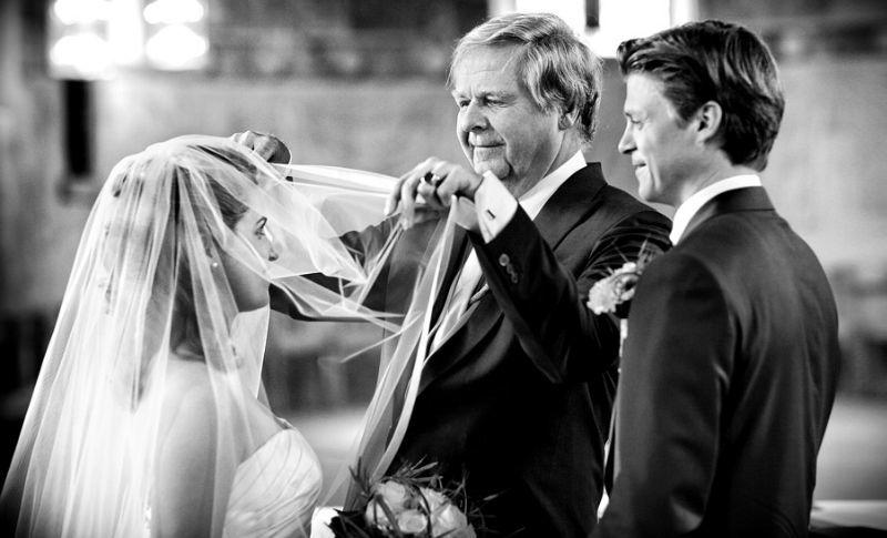 Beispiel: Fotos von der Trauzeremonie, Foto: raman weddings.