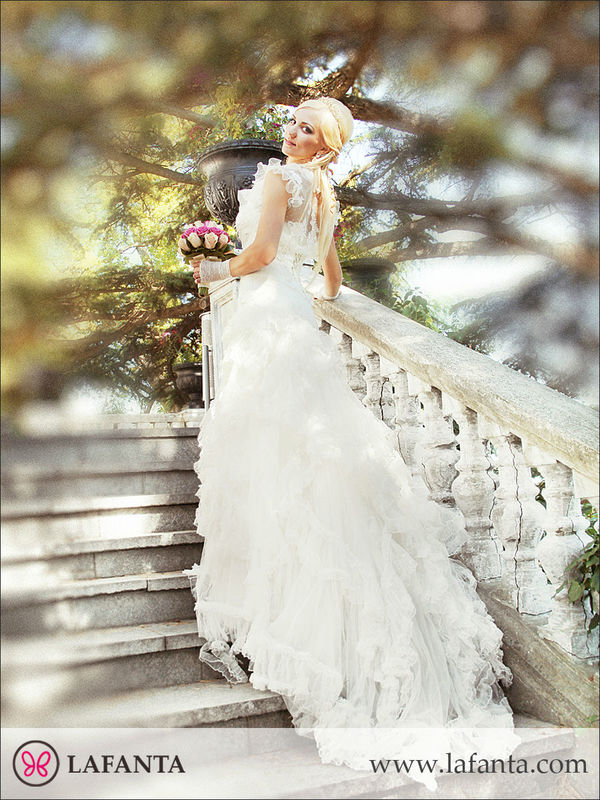 Ein Tag voller Emotionen - Bei lafanta finden Sie das richtige Kleid für die Traumhochzeit.