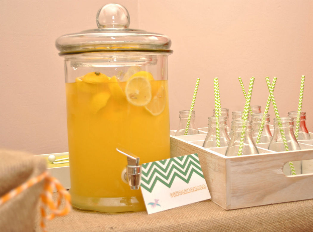 Nuestro dispensador de limonada!