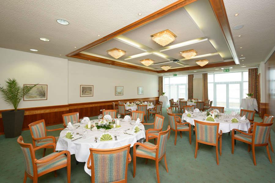 Beispiel: Veranstaltungsraum - Bankett, Foto: Hotel & Restaurant Seebad-Casino.