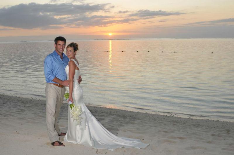 Beispiel: Hochzeit am Strand, Foto: LUX*Resorts.