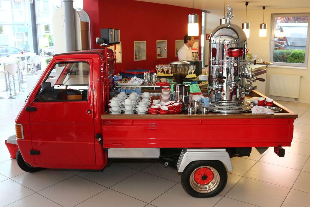 Beispiel: Mobile Kaffeebar, Foto: Partyservice Wahler.