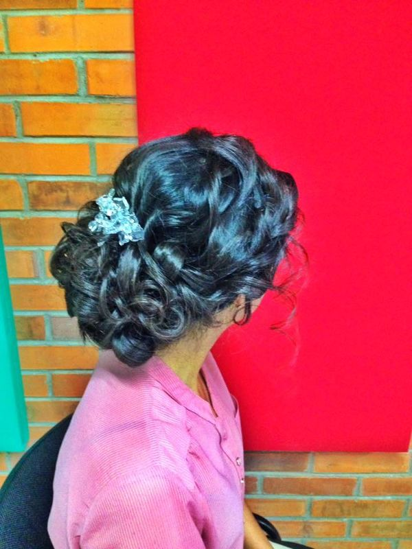 Bridal Hair Stilyng