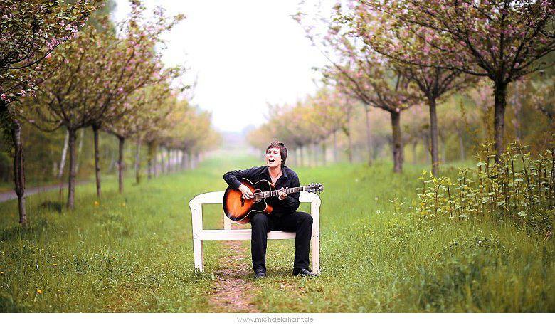 Beispiel: Für Ihren emotionalen Moment auf Ihrer Hochzeit, Foto: Simona Kiel Hochzeitssängerin.