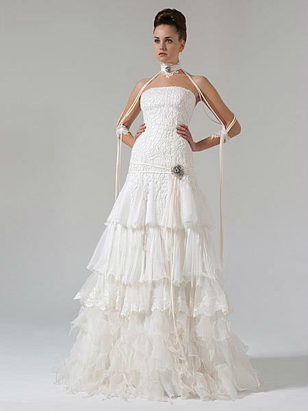 Beispiel: Mode für die Braut, Foto: Liluca.