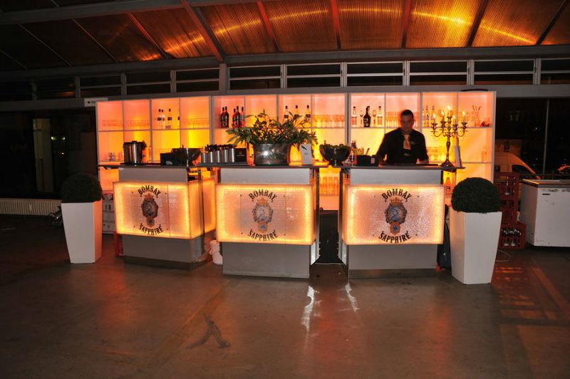 Beispiel: Getränke-Bar für Ihre Hochzeit, Foto: Golden Catering.