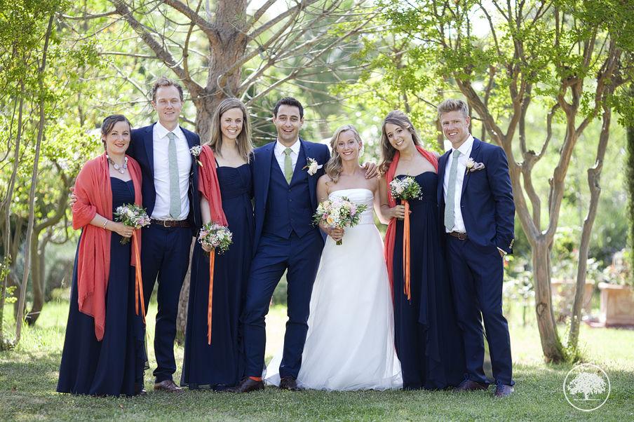 Mariage dans les Alpilles de Kate & Tom ©Photodefamille.fr