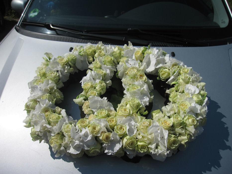 Beispiel: Autoschmuck, Foto: Blumenfee Katrin CC.