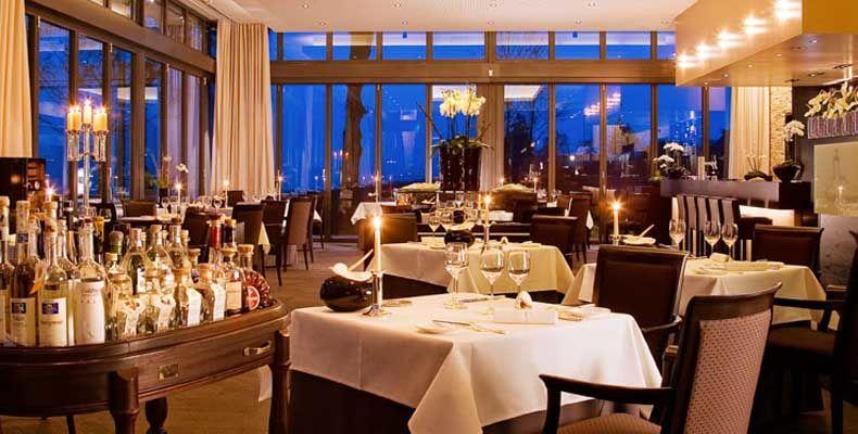 Beispiel: Restaurant, Foto: Burg Schwarzenstein.