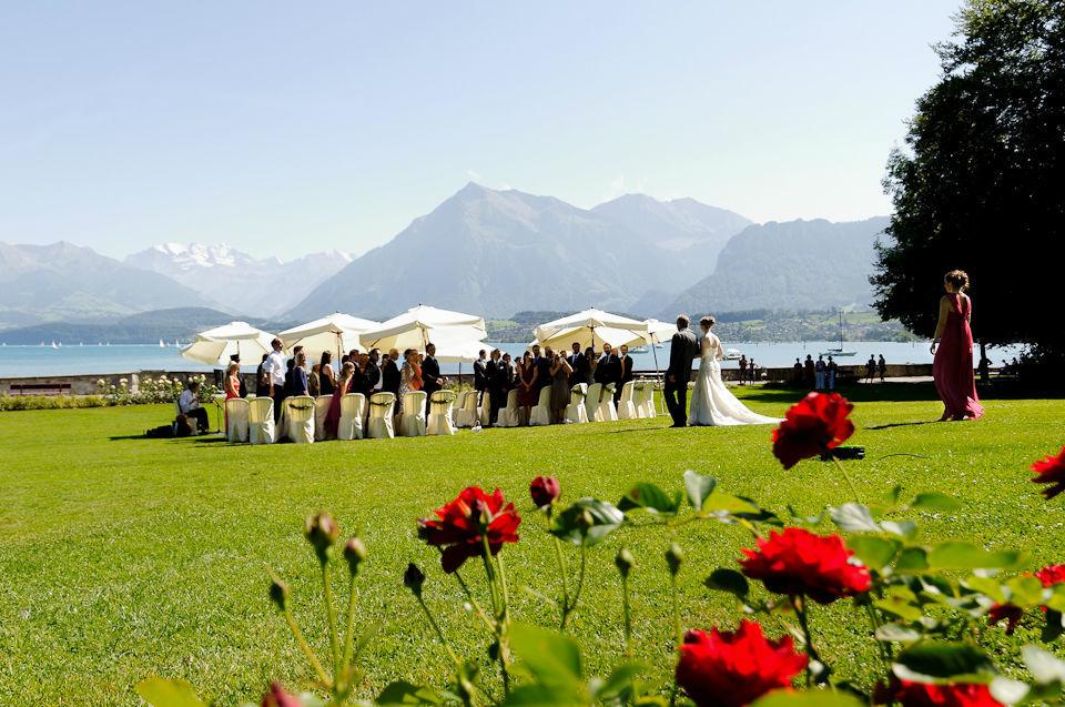 Beispiel: Trauung unter freiem Himmel, Foto: Switzerland Wedding Company.