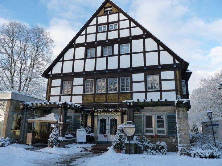 Beispiel: Vorderseite Winter, Foto: AKZENT Hotel Saltenhof.