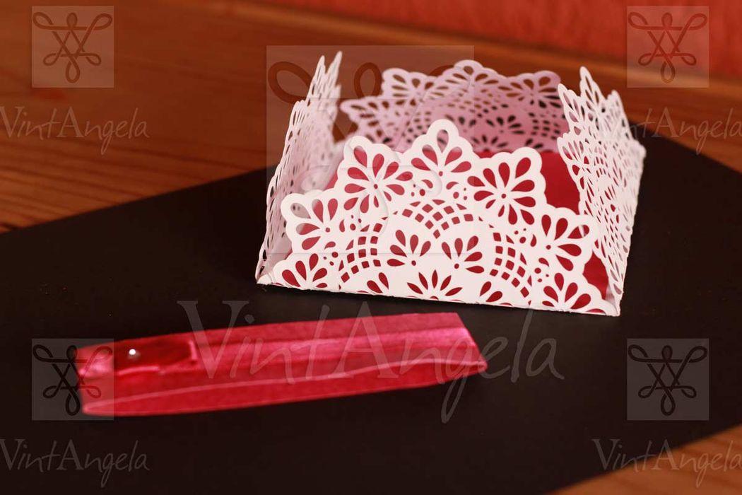 Vintangela: Invitaciones de bodas te presenta este modelo cuadrado calado, ubicados en Cuernavaca pero envian a todo el país.