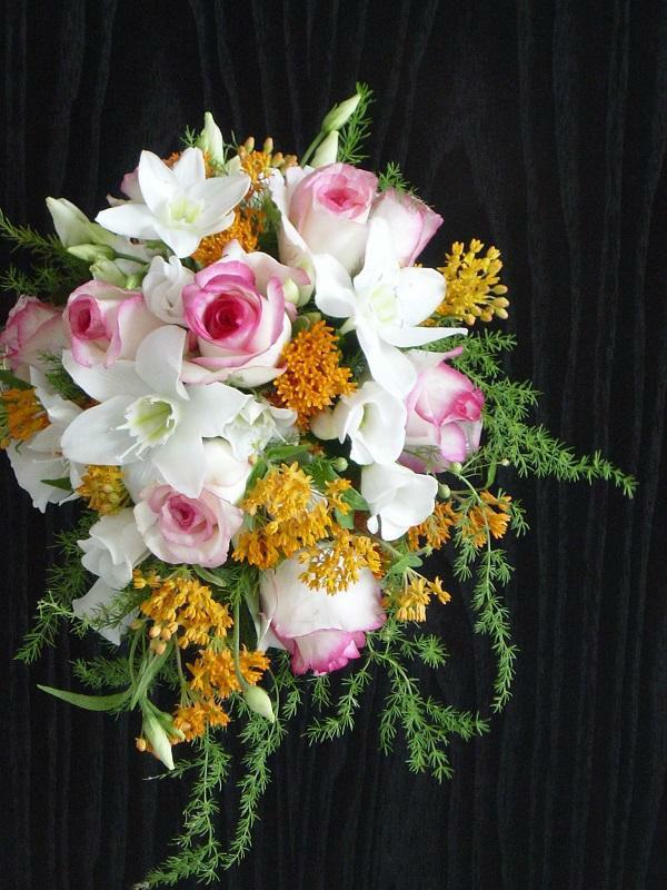 Beispiel: Wunderschöner Brautstrauß, Foto: Blumen Kamm.