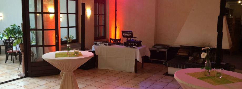 Beispiel: Ton- und Lichttechnik, Foto: DJ Onkpi.