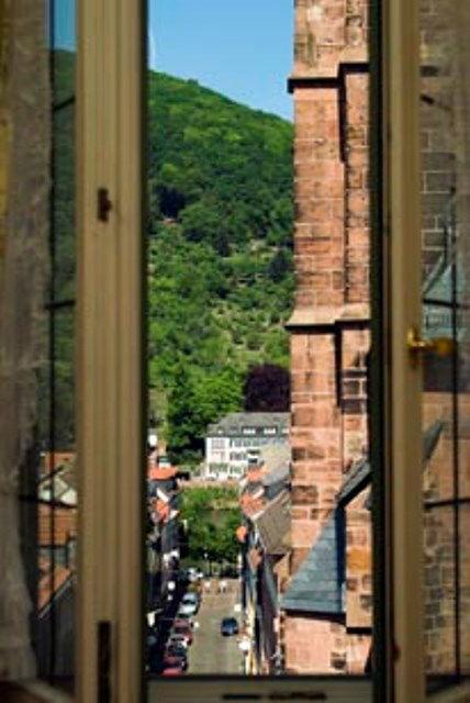 Beispiel: Fensterblick, Foto: Hotel Zum Ritter St. Georg.