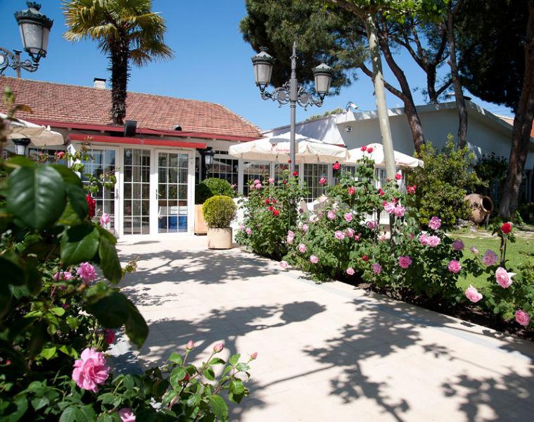 Entrada El Jardín del Mesonero