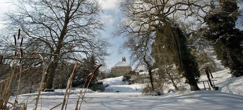 Beispiel: Schloss im Winter, Foto: Schloss Fachsenfeld.