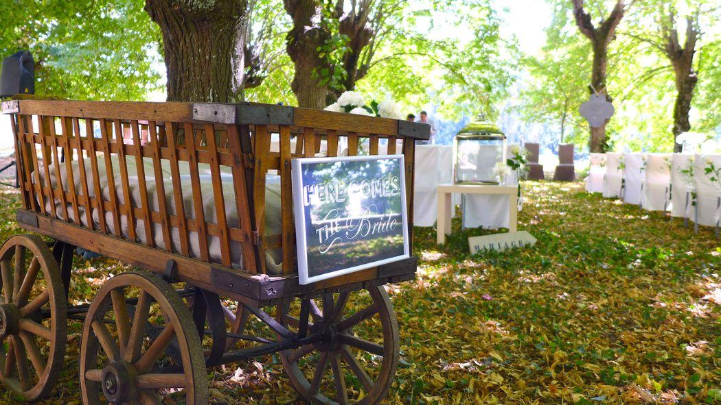 GoodMoon - Blessing en extérieur - Petite charrette pour enfants - Here comes the bride