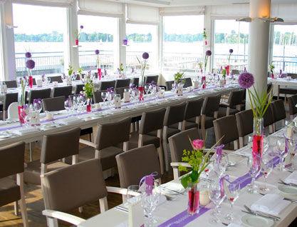 Beispiel: Festlich gedeckte Tische, Foto: Alsterlounge.