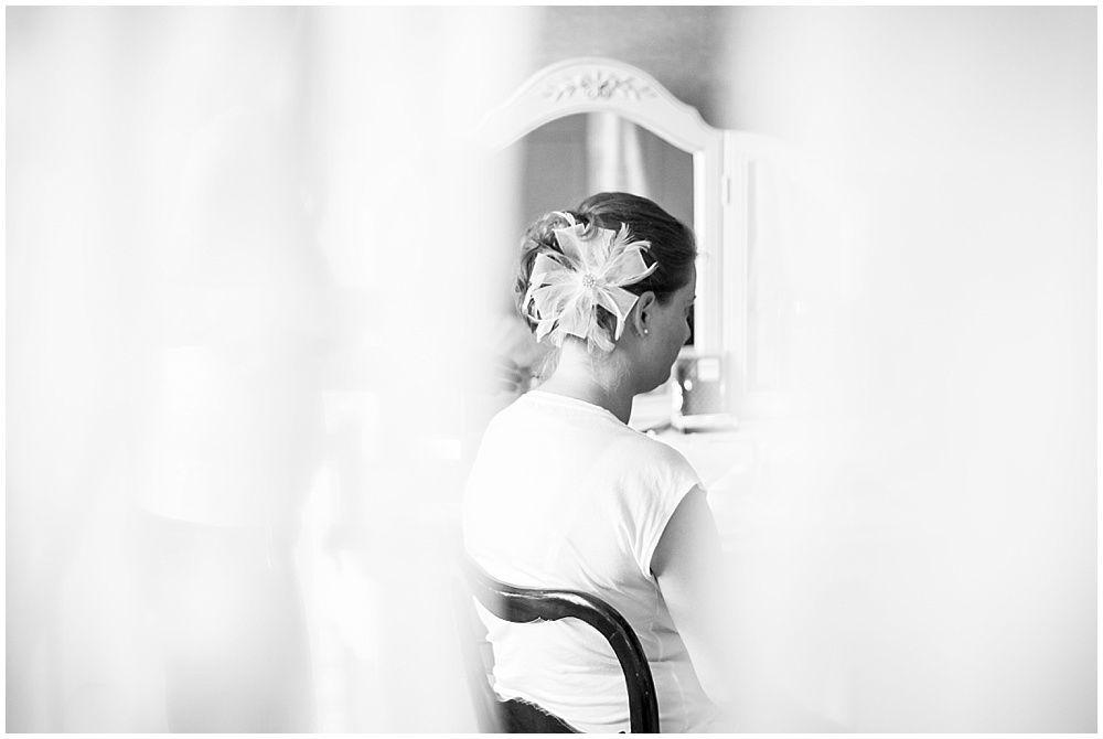Vorbereitung der Braut im Haus Tornow.