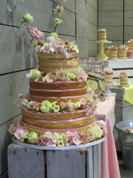 Beispiel: Hochzeitstorte Kollektion Naked Cake, Foto: Madame Miammiam.